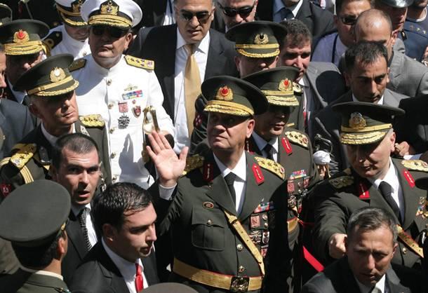 Ελεύθερος ο στρατηγός Μπασμπούγ