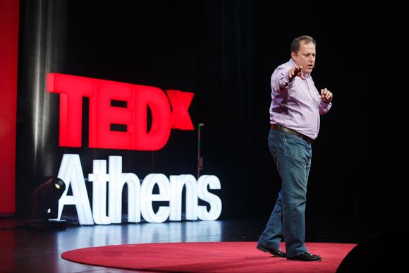 Σπύρος Βελλινιάτης: «Είναι αυτό που λένε ότι τα ταλέντα βγαίνουν από την φτώχεια»