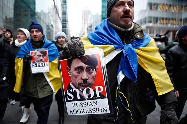 Κυρώσεις εναντίον της Ρωσίας επέβαλαν ΗΠΑ και ΕΕ