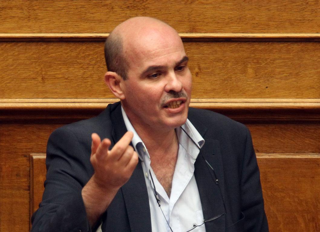Μιχελογιαννάκης: Η συνειδητά ασυνείδητη μάζα (ΒΙΝΤΕΟ)