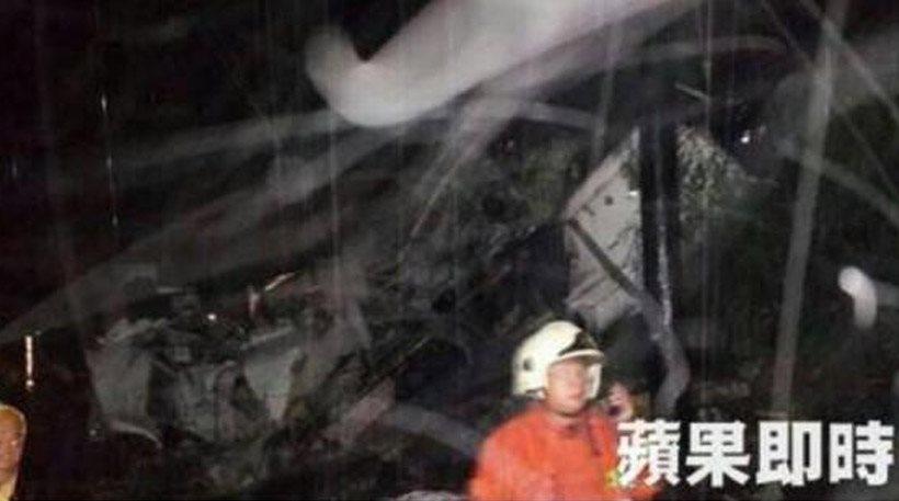 Δεκάδες νεκροί από συντριβή αεροσκάφους στη Ταιβάν