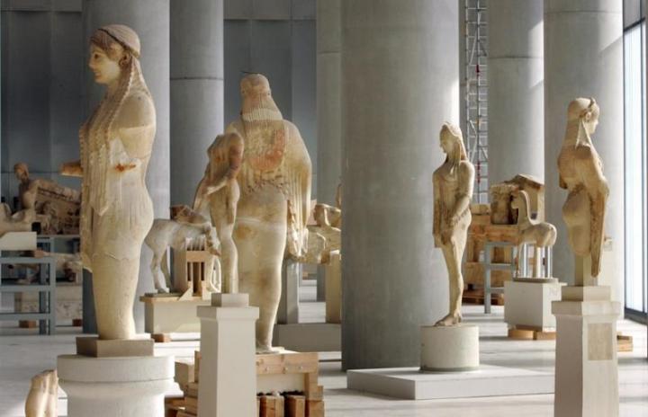 «Ντερ Στάνταρντ»: Στην Ελλάδα ο πολιτισμός λειτουργεί σε πείσμα της Τρόικας