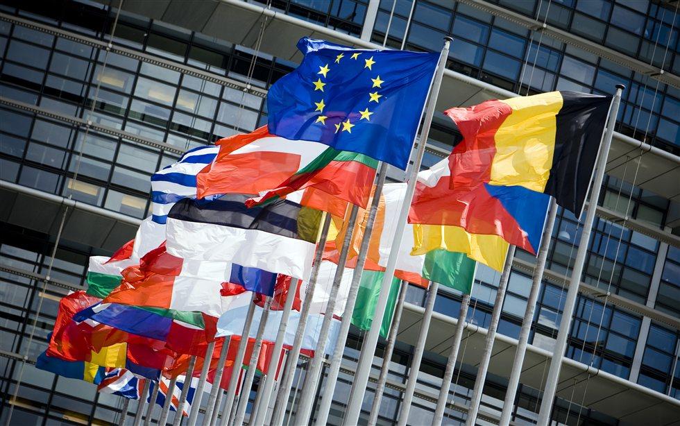 «Ανακωχή» Βρυξελλών- Αθήνας για προσφυγικό και Σένγκεν