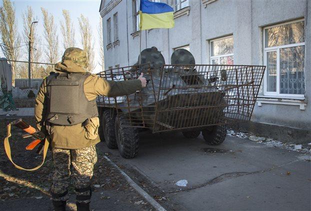 Ουκρανία: Στέλνει στρατό στις ανατολικές επαρχίες