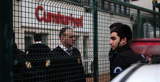 Τουρκία: Έρευνα σε βάρος της Cumhuriyet που αναδημοσίευσε το Charlie Hebdo