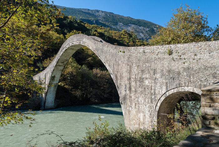 Η ιστορία του γεφυριού που κατέρρευσε στην Αρτα
