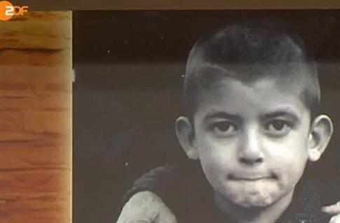 Από τη σάτιρα, στα δάκρυα: Ένα συγκλονιστικό σκετς της ZDF για το Δίστομο (Βίντεο)