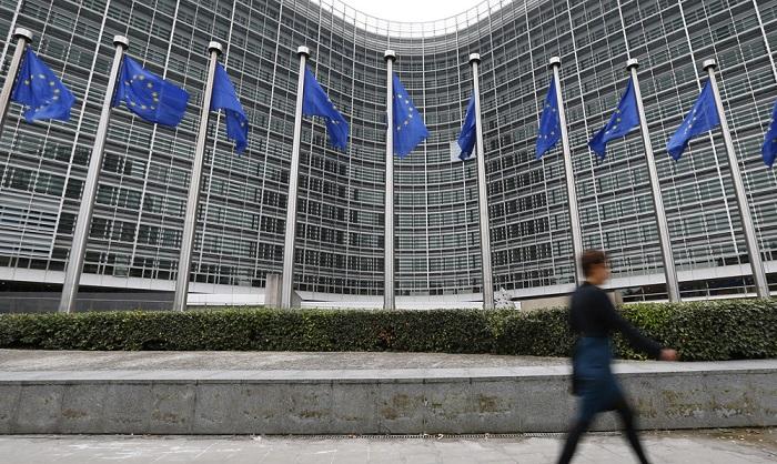 Η ΕΕ προειδοποιεί την Αθήνα για αποβολή από τη Σένγκεν