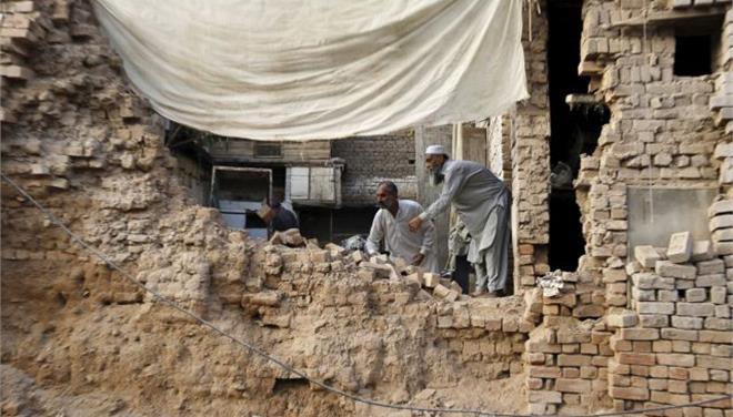 Δεκάδες οι νεκροί από τα 7,5 Ρίχτερ στο Αφγανιστάν