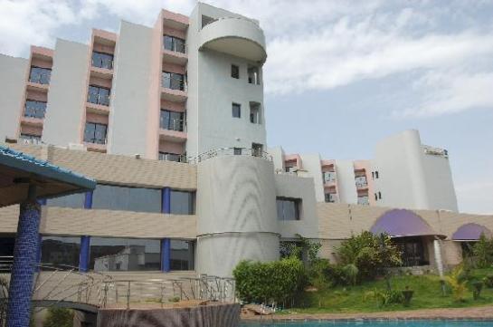 Tρομοκρατική επίθεση σε ξενοδοχείο στο Μάλι με νεκρούς και ομήρους