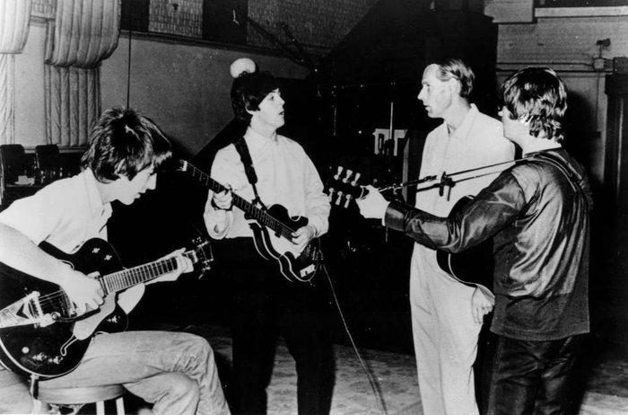 Πέθανε ο άνθρωπος που έφτιαξε τους Beatles
