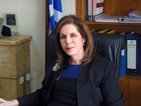 Εύη Χριστοφιλοπούλου στο badiera.gr : Η σοσιαλδημοκρατία πρέπει ξανά να αναδειχθεί σε αυτόνομο πόλο εξουσίας