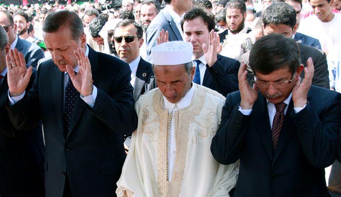 «Θρησκευτικό» σύνταγμα ζητεί ο πρόεδρος του κοινοβουλίου στην Τουρκία