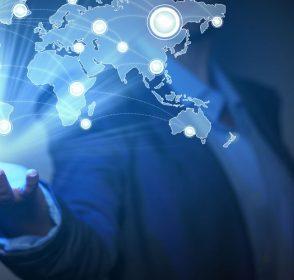 Εconomist: Η παγκόσμια οικονομία ανακάμπτει συγχρονισμένα